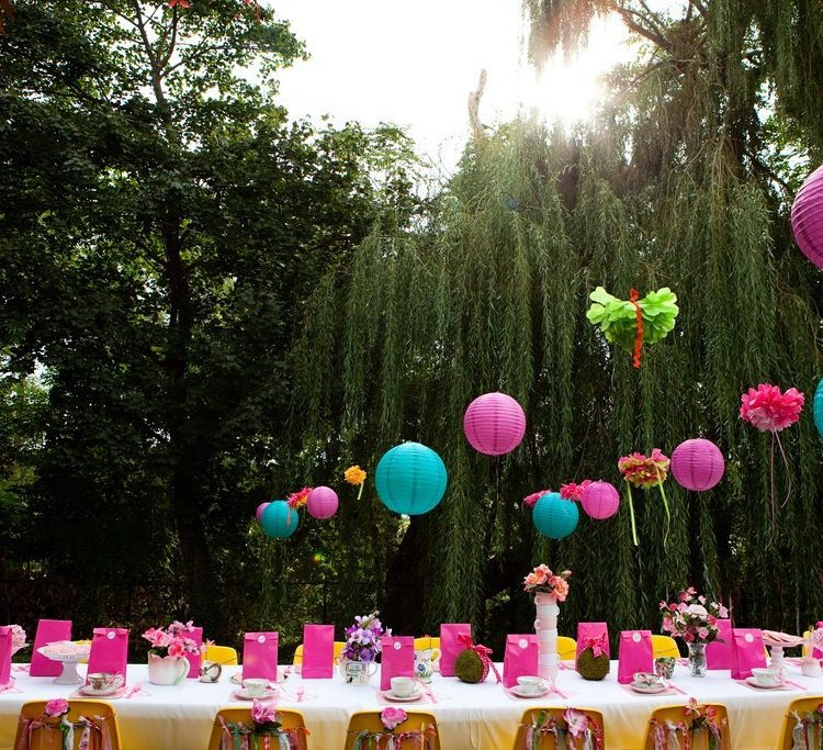 How To Create a DIY Alice in Wonderland Themed Birthday Party