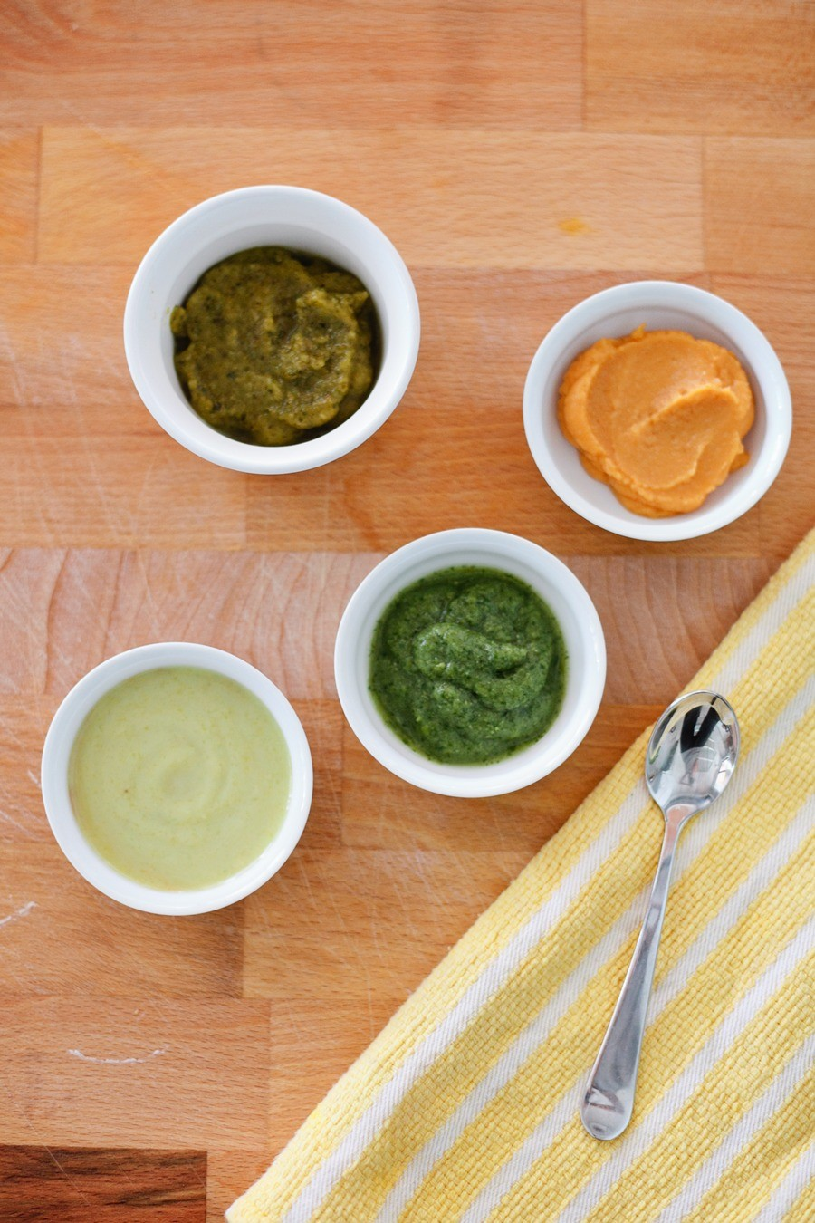 Easy and Simple Homemade Baby Food recipes and tips for healthy homemade baby food by popular Florida mom blogger Tabitha Blue of Fresh Mommy Blog.