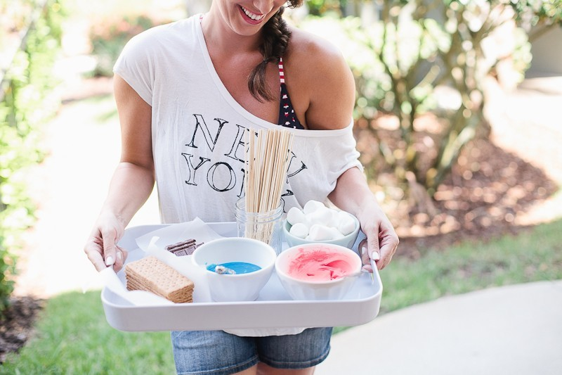 Create easy Patriotic Smores for the Fourth of July in this Red, White and Smores post from Tabitha Blue of Fresh Mommy Blog