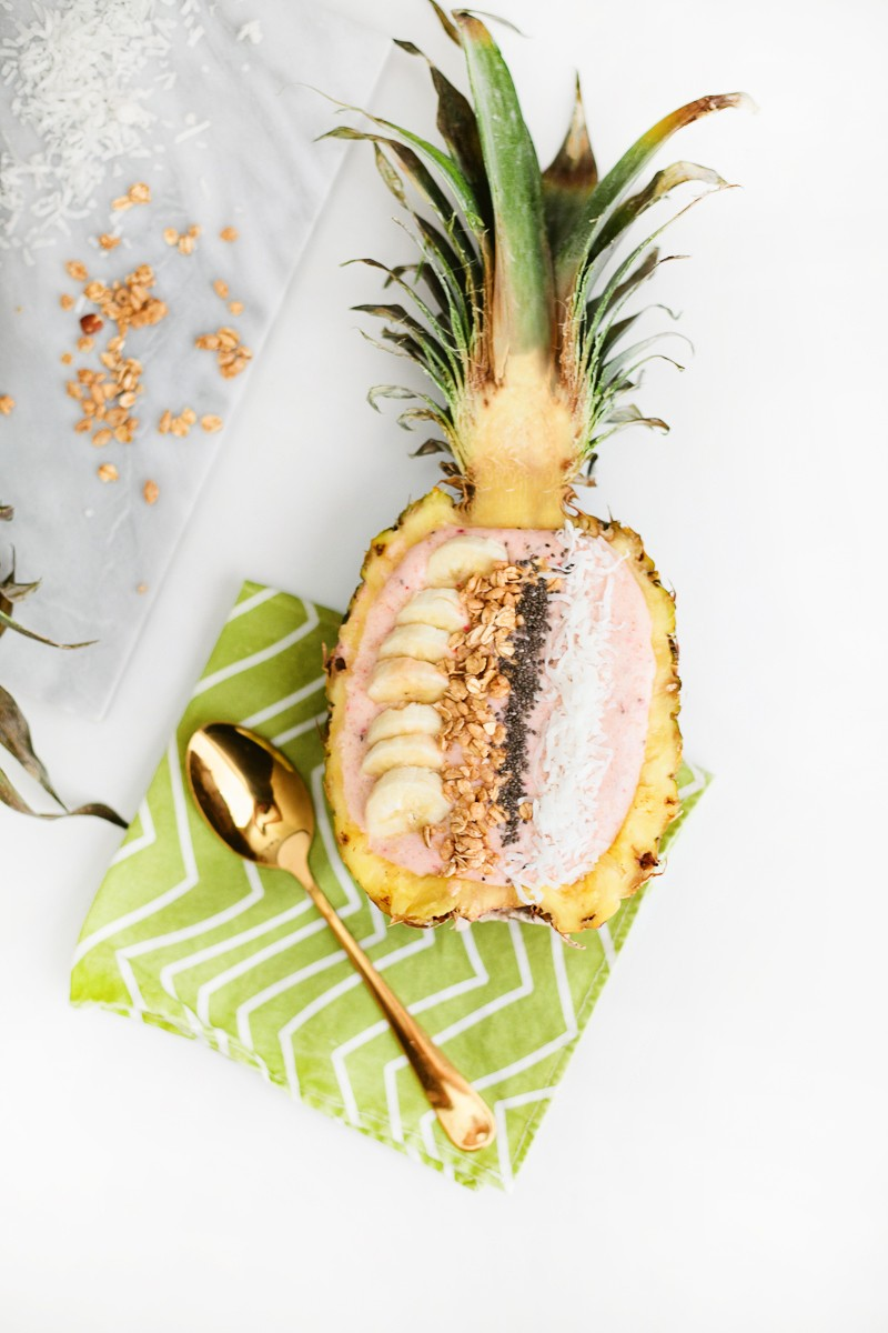Pineapple Smoothie Bowl for a filling, nutrient filled meal while helping to lose weight!