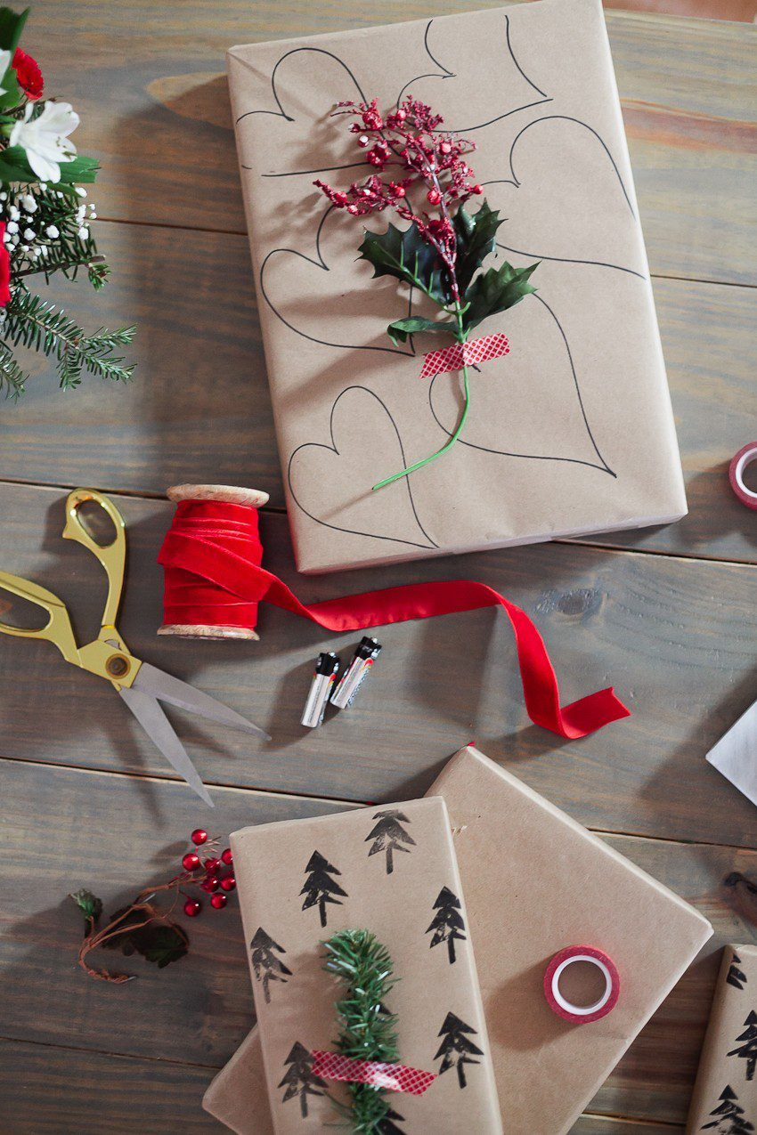 Save time and money with this easy and simple Christmas gift wrap hack! Gift wrapping ideas you can't miss, like using a potato to stamp your customized design.    The Simple and Easy Christmas Gift Wrapping Ideas You Can't Miss featured by top Florida life and style blog Fresh Mommy Blog