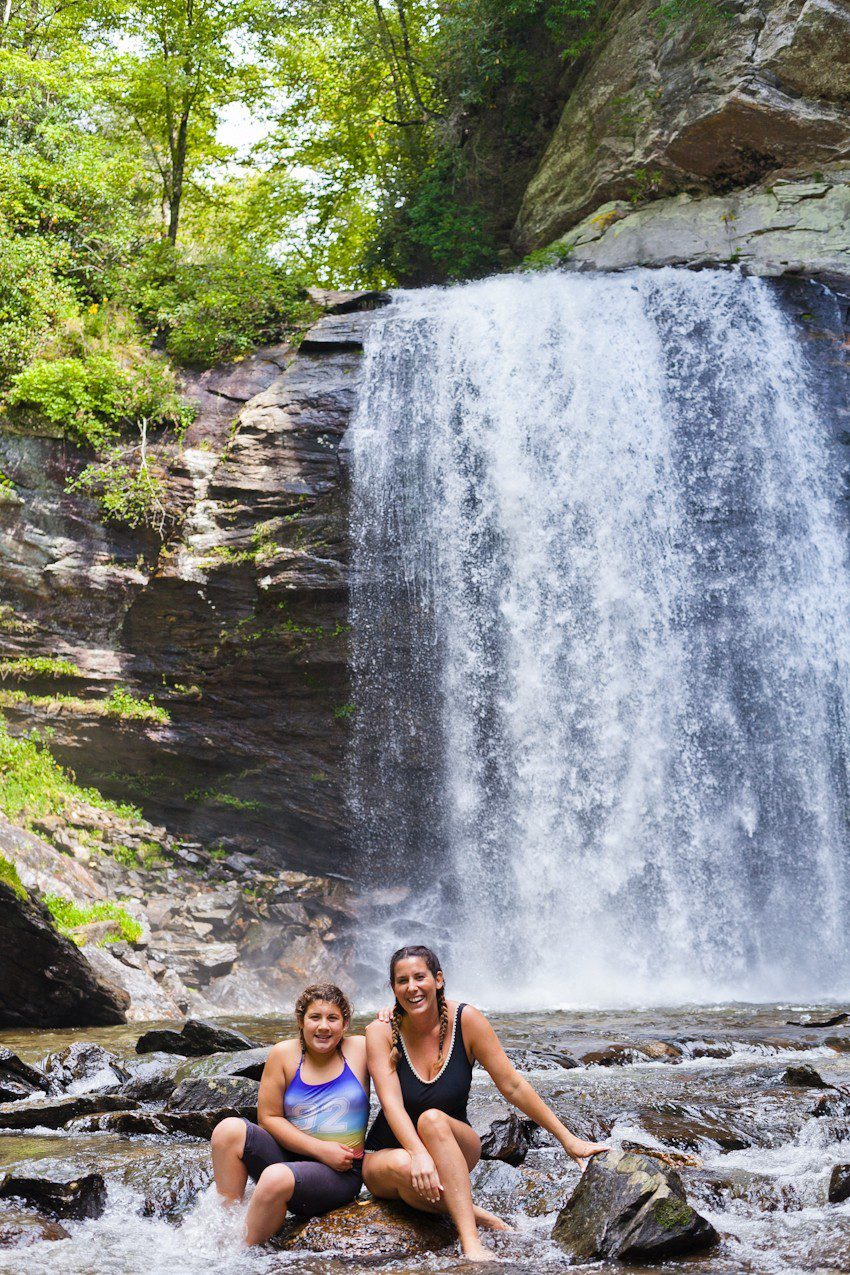 A Quick Maggie Valley Travel Guide for your Next Smoky Mountains Vacation featured by top Florida travel, life and style blog, Fresh Mommy Blog: hiking and waterfalls - Looking Glass Falls