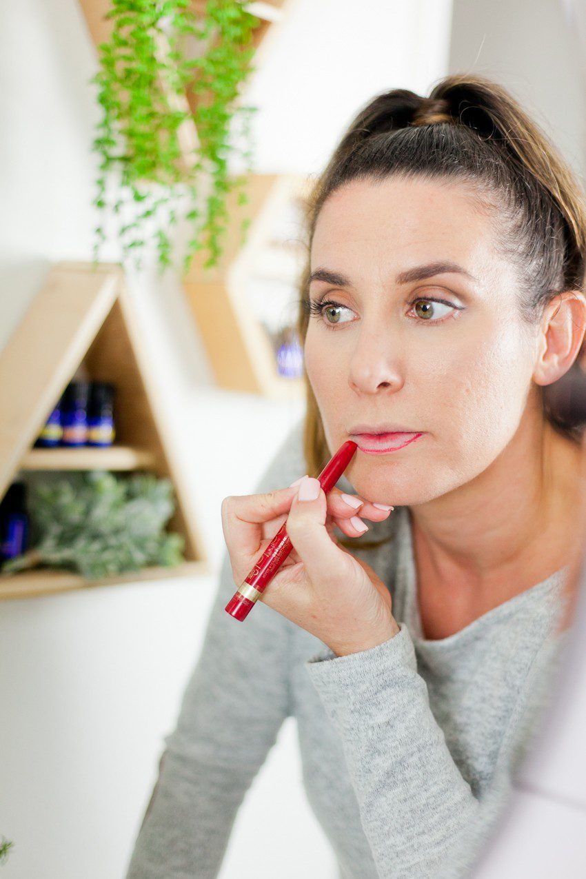 How to Master a Bold Lip in 5 Easy Steps featured by top US beauty blog Tabitha Blue of Fresh Mommy Blog