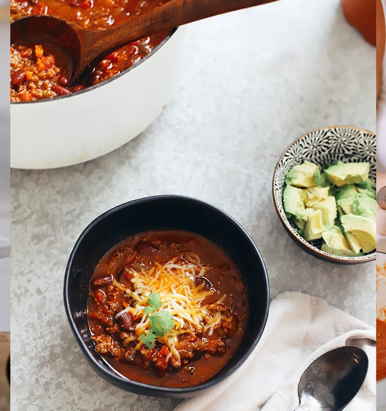 Easy Family Favorite Chili recipe! Make this delicious classic homemade chili in the crockpot or in one pot easily. It's THE BEST CHILI, and my family asks me to make it over and over.