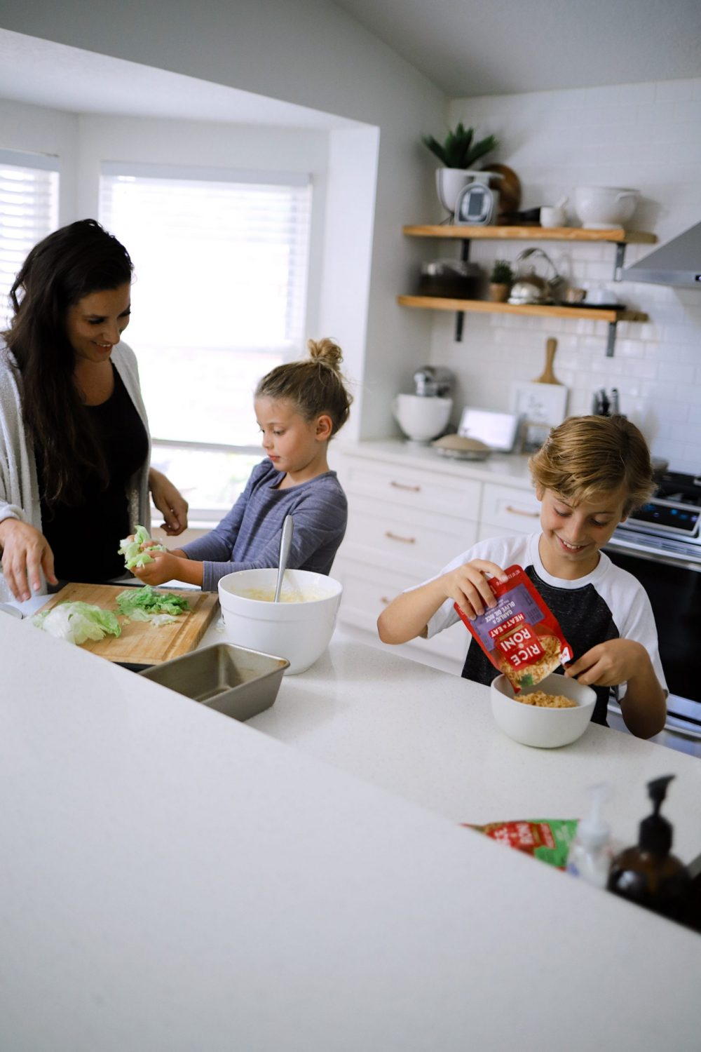 Empowering Kids in the Kitchen - How to cook with kids in the kitchen with Tabitha Blue of Fresh Mommy Blog