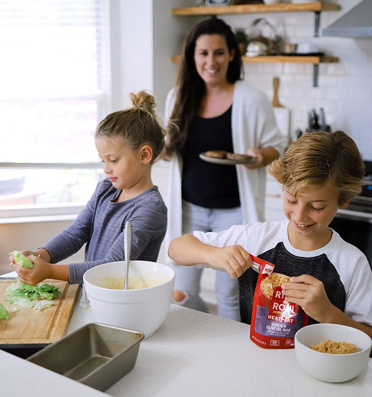 Kids in the Kitchen: 5 Essential Tips to Cook with Children