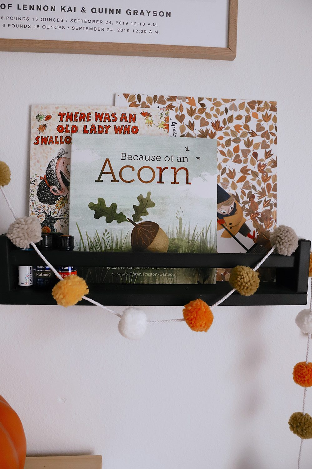 Fall Kids Room Decor Ideas featured by top US home blogger, Fresh Mommy Blog
